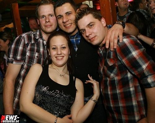 ntoi_b1_handballer-party_25.jpg