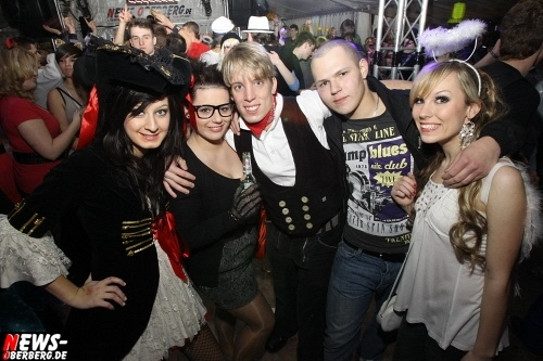 ntoi_gm_unighted_karneval_festzelt_07.jpg