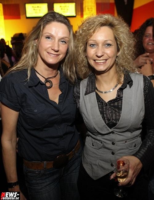 Gummersbach: Radio Berg Party ´Volume 3´ @DKdance. Die dritte Auflage der ´Kult Ü-30 Radio Party´ war erneut gut besucht. Die BILDER DES ABENDS vom Freitag 08.04.2010 (69 Bilder!)