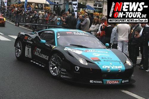 Motorsport.NEWS-on-Tour.de: Total 24 Hours of Spa! Fast 70 Rennboliden zelebrierten sich vor dem Casino in Spa. Am Wochenende starten in Spa Francorchamps GT3 und GT4 Fahrzeuge im 24h Rennen