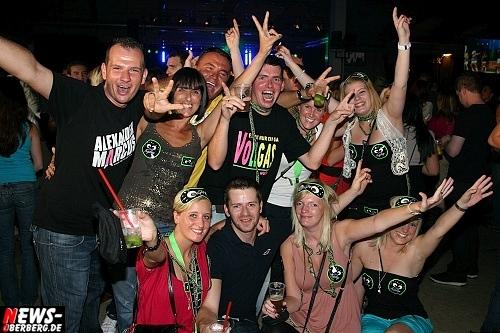 TRIER FEIERT wurde zum größten Partymarathon in Rheinland-Pfalz. Gelungene Premiere am Sonntag 2. Oktober 2011. Partyschlager der Extraklasse: 14 Top-Live-Acts garantierten 12 Stunden Non-Stop-Programm!