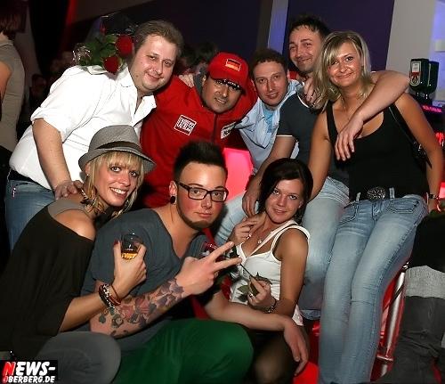 Oberbergischer Kreis: Flotter Dreier Aftershow! ´Morgens halb fünf´ in Gummersbach´. Exklusive Bilder vom Sa. 26.11.2011 aus Oberbergs Dance Club No. 1