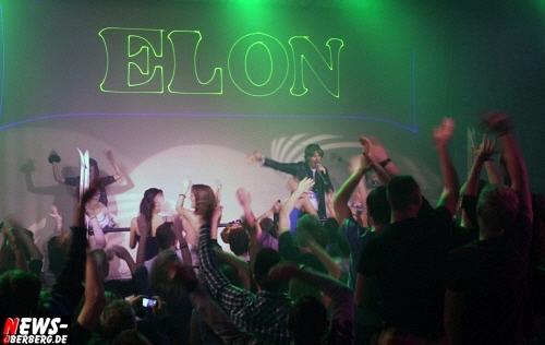 Mickie Krause rockte die ´Abriss Ski Party´ im ELON in Waldbröl (Oberbergischer Kreis) am Fr. 27.01.2012 mit seinen Hits wie: ´Schatzi schenk mir ein Foto´ und ´Ich bin Solo´