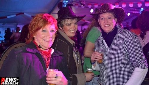 ntoi_karneval_gummersbach_festzelt_tag-01_078.jpg