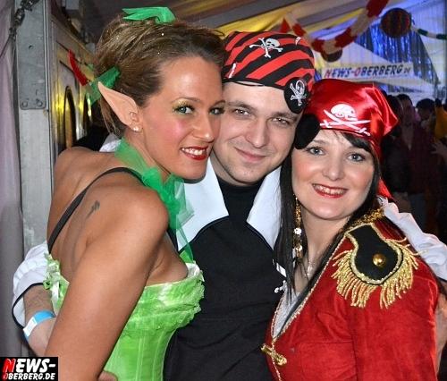 ntoi_karneval_gummersbach_festzelt_tag-02_058.jpg