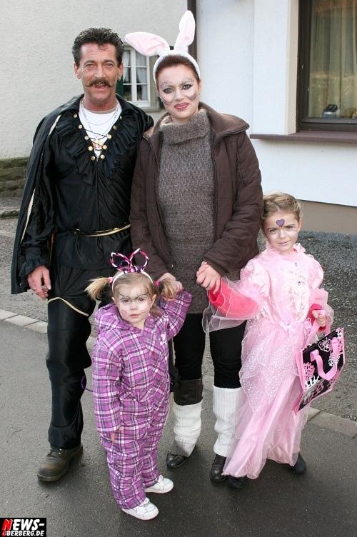 ntoi_treppchen_ruenderroth_karnevalszug_30.jpg