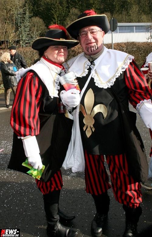 ntoi_treppchen_ruenderroth_karnevalszug_55.jpg