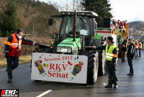 ntoi_treppchen_ruenderroth_karnevalszug_56.jpg