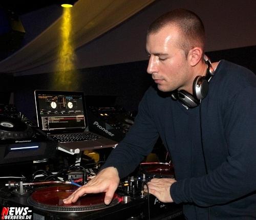 Radio DJ Slick DKdance