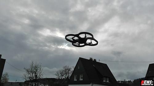 NEW AR.Drone 2.0: Parrots Flugdrone AB SOFORT im Handel erhältlich. TV.NEWS-on-Tour.de stellt die ersten vier HD-Videos vor!
