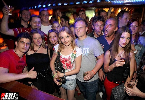 red-bull-schiffchen-party_b1_gummersbach_02.jpg