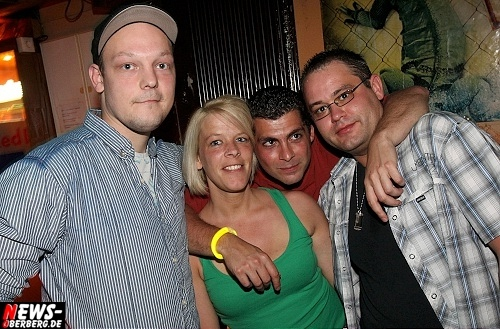 red-bull-schiffchen-party_b1_gummersbach_23.jpg