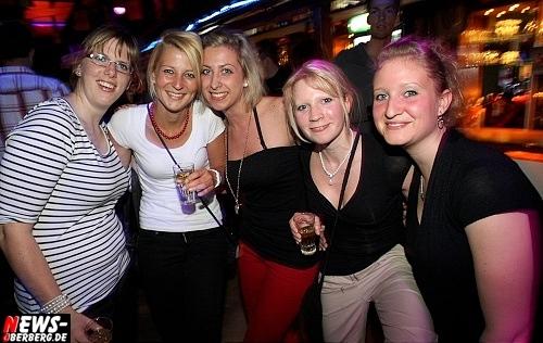 red-bull-schiffchen-party_b1_gummersbach_25.jpg