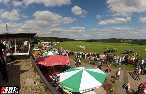 ntoi_flugplatzfest_auf-dem-duempel_2012_06.jpg