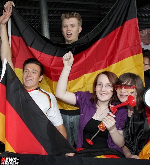 em-2012_fussball_deutschland_griechenland_viertelfinale_12.jpg