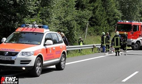 Bergneustadt: 40-Jähriger bei Unfall auf dem Autobahnzubriger A4 tödlich verletzt! Auto landete im Flussbett (Mit Video)