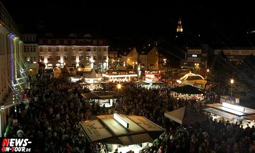 11. Bergneustädter Rathausplatz Open Air. (Oberbergischer Kreis) Rund 2.000 Zuschauer feierten bei gutem Wetter ein tolles Musikevent unter freiem sternenklarem Himmel