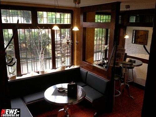 Lord´s Inn Club/Lounge in Bergneustadt wird HEUTE (Fr. 28.09.2012) ab 17 Uhr unter NEUER LEITUNG wiedereröffnet. Getränkespecials für 1,30 Euro und KOSTENLOS ´Heusers Wurst Spezialiäten´ und Nudel und Kartoffelsalat. Auf Wunsch auch Rumpsteak, Gambas und viele weitere Gaumen-Highlights