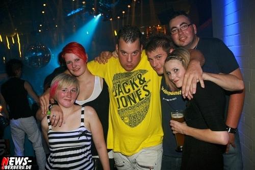ntoi_disco_yellow_finanzkrise_33.jpg