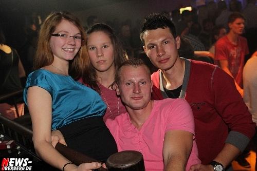 2012_10_13_yellow_1-euro-party_49.jpg