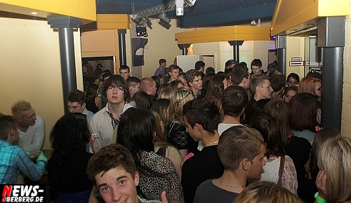 yellow_stufenparty_ntoi_04.jpg