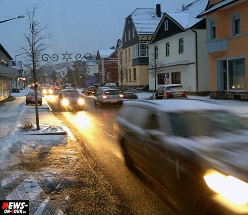 Oberbergischer Kreis: 106 Verkehrsunfälle! Wochenende stand im Zeichen der Verkehrsunfälle. Winter setzte den Autofahrern arg zu. Wochenende stand im Zeichen der Verkehrsunfälle