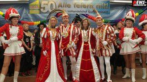 1. Tollitäten Treff (50 Jahre SB Handelshof GM): Eckenhagener Prinzenpaar Heike und Friedel empfingen Karnevalsvereine aus der Region Oberberg