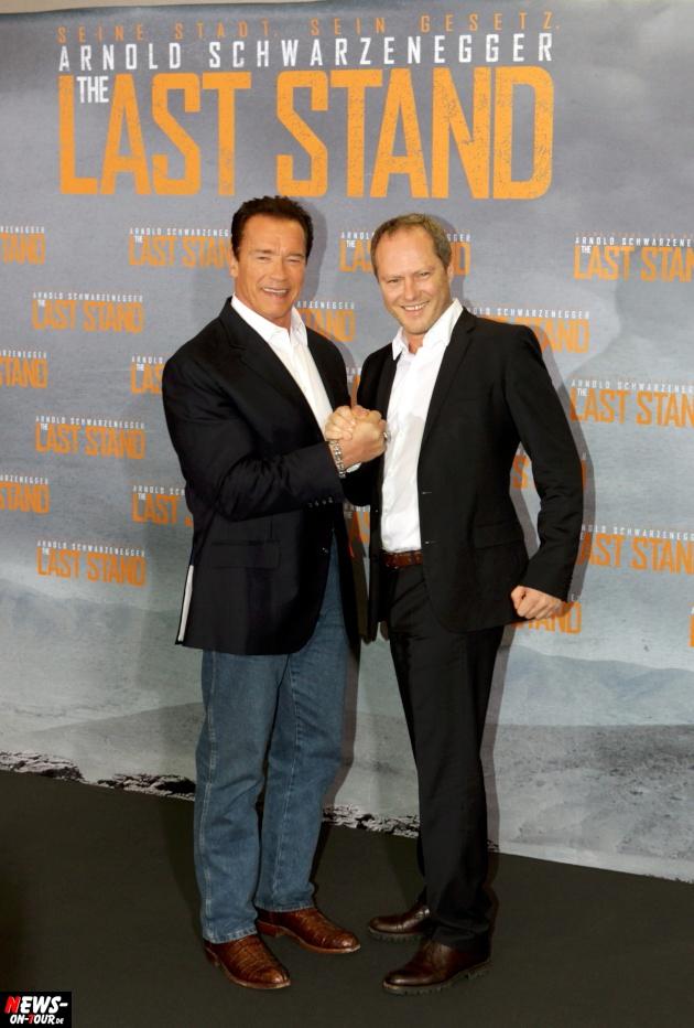 Arnold Schwarzenegger (65) besuchte den Kölner Dom: Deutschlandpremiere THE LAST STAND mit vollem Terminplan. Bonus: Photocall und Pressekonferenz