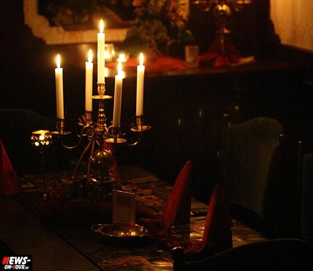 candle-light_kerzenschein_valentinstag_hochzeit_ntoi_verlobung_verliebte_rote-rosen