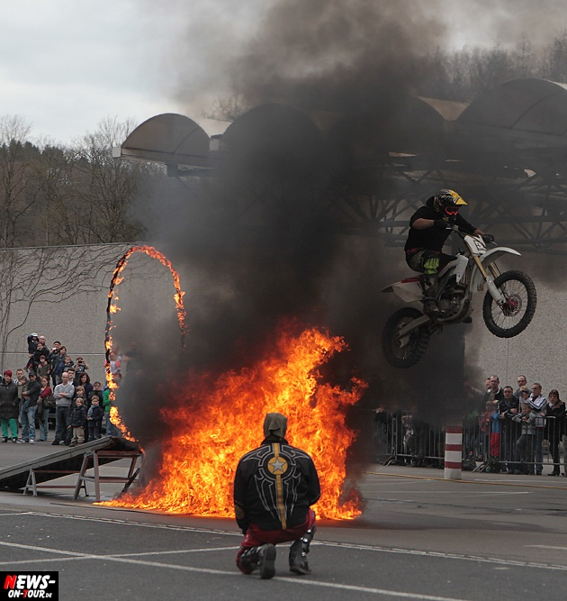 traber-brothers-monster-truck-stunt-show_ntoi_02