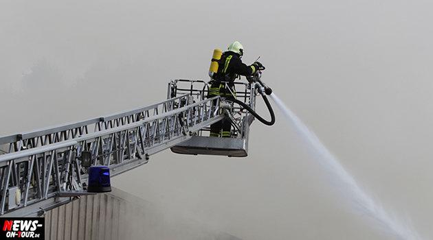 feuerwehr-drehleiter_loeschwasser