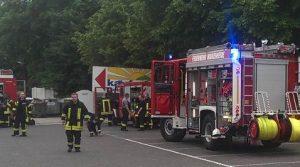 Marienheide: Kaufpark und Getränkemarkt evakuiert! Gasaustritt aus einem Kühlaggregat. Lebensmittel wahrscheinlich kontaminiert