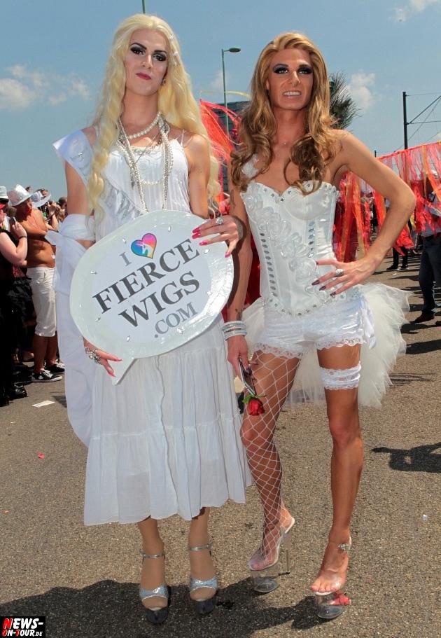 csd-2013_colognepride_koeln_deutzer-bruecke_ntoi_klust_gay_lesbian_parade_04