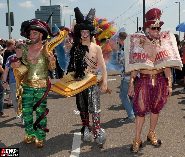 csd-2013_colognepride_koeln_deutzer-bruecke_ntoi_klust_gay_lesbian_parade_08