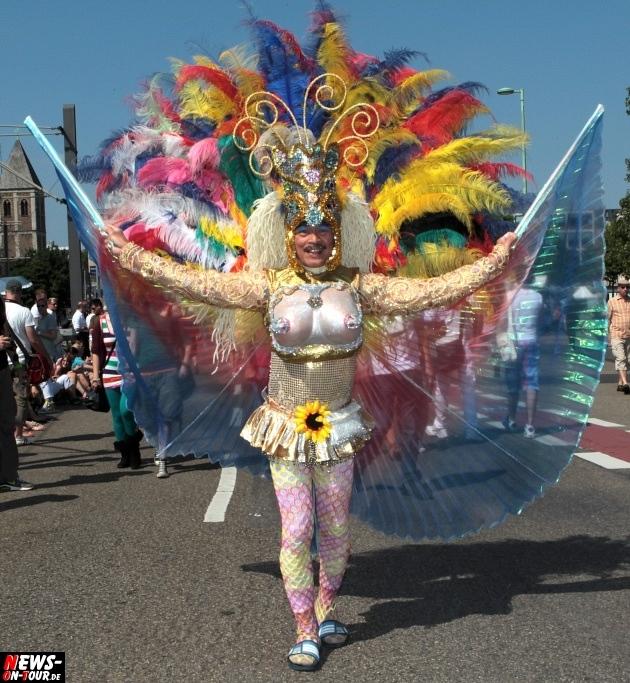 csd-2013_colognepride_koeln_deutzer-bruecke_ntoi_klust_gay_lesbian_parade_19
