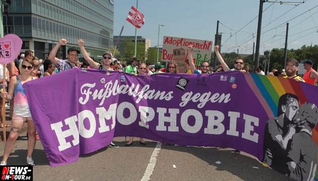 csd-2013_colognepride_koeln_deutzer-bruecke_ntoi_klust_gay_lesbian_parade_20