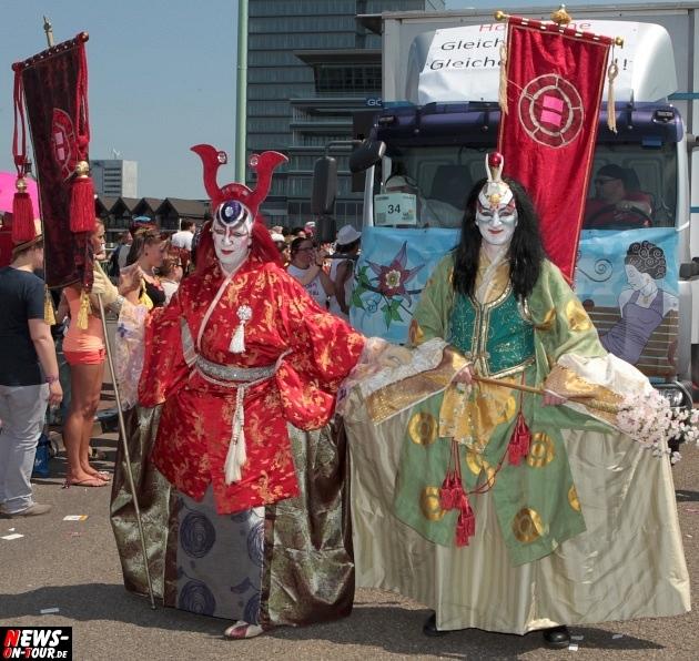 csd-2013_colognepride_koeln_deutzer-bruecke_ntoi_klust_gay_lesbian_parade_22