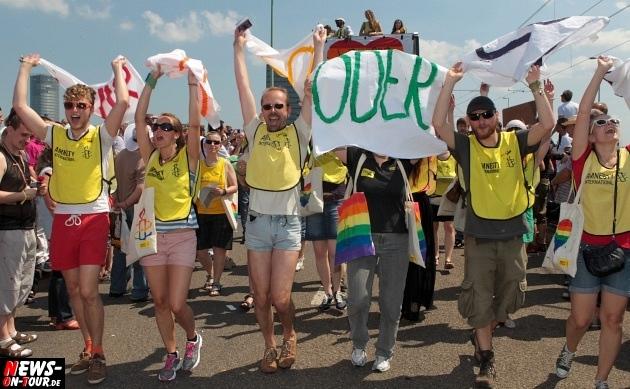csd-2013_colognepride_koeln_deutzer-bruecke_ntoi_klust_gay_lesbian_parade_24