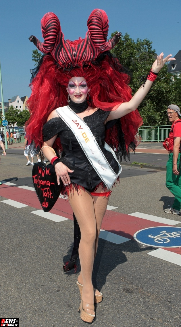 csd-2013_colognepride_koeln_deutzer-bruecke_ntoi_klust_gay_lesbian_parade_30