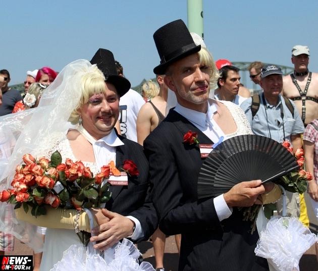 csd-2013_colognepride_koeln_deutzer-bruecke_ntoi_klust_gay_lesbian_parade_33