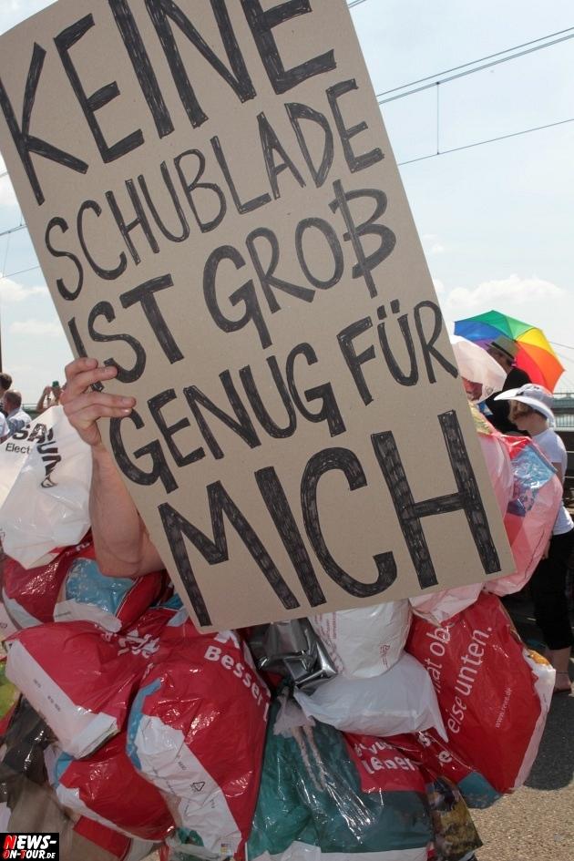 csd-2013_colognepride_koeln_deutzer-bruecke_ntoi_klust_gay_lesbian_parade_35