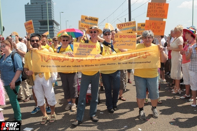 csd-2013_colognepride_koeln_deutzer-bruecke_ntoi_klust_gay_lesbian_parade_37