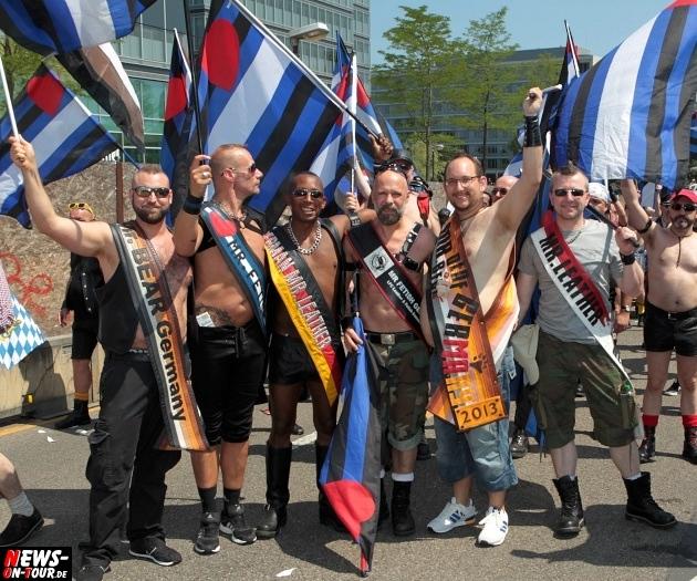 csd-2013_colognepride_koeln_deutzer-bruecke_ntoi_klust_gay_lesbian_parade_39