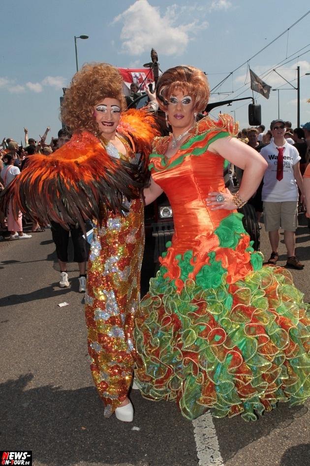 csd-2013_colognepride_koeln_deutzer-bruecke_ntoi_klust_gay_lesbian_parade_40