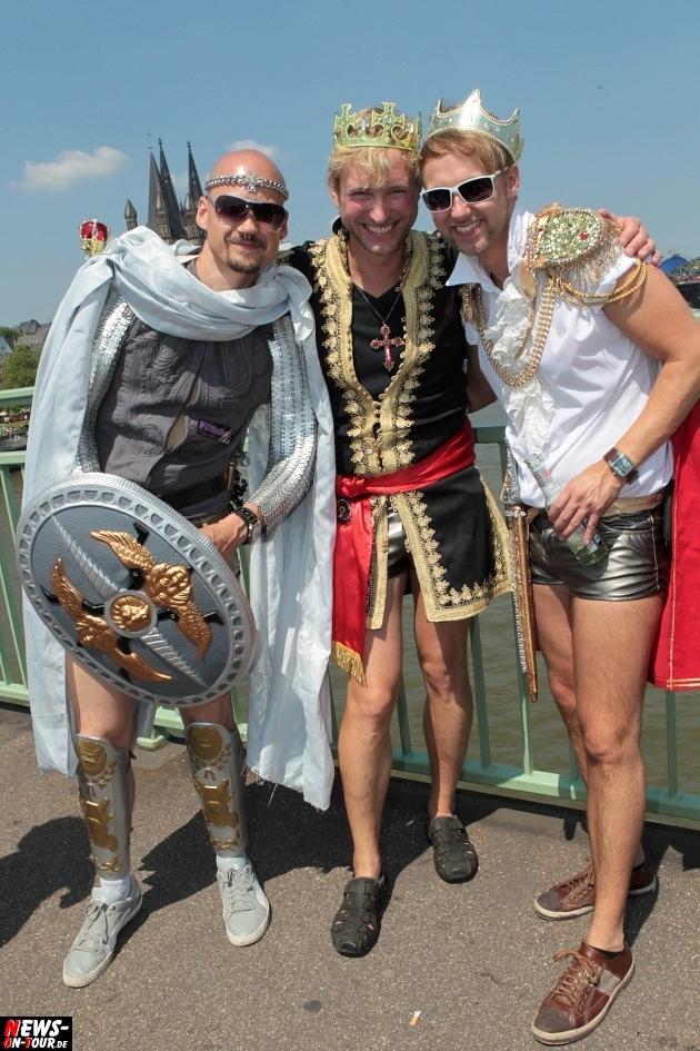 csd-2013_colognepride_koeln_deutzer-bruecke_ntoi_klust_gay_lesbian_parade_42
