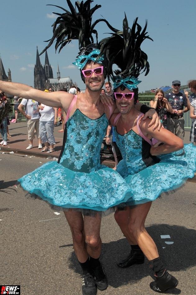 csd-2013_colognepride_koeln_deutzer-bruecke_ntoi_klust_gay_lesbian_parade_44