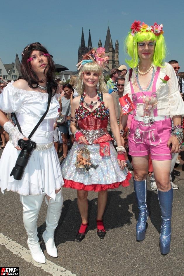 csd-2013_colognepride_koeln_deutzer-bruecke_ntoi_klust_gay_lesbian_parade_48