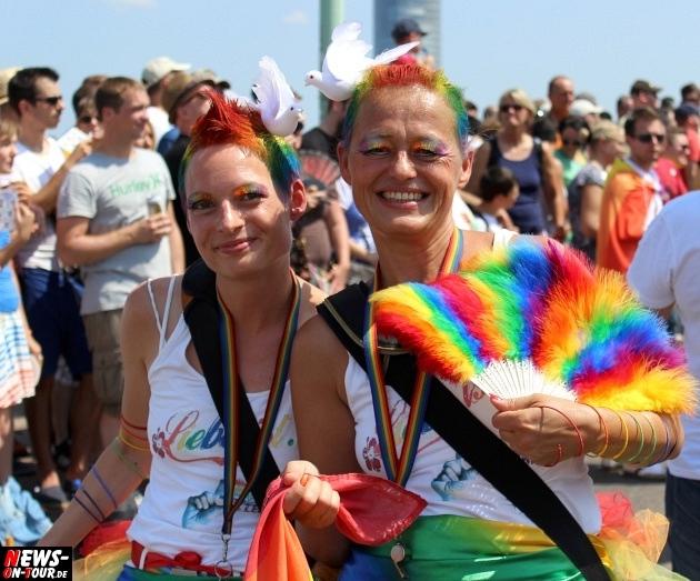 csd-2013_colognepride_koeln_deutzer-bruecke_ntoi_klust_gay_lesbian_parade_49