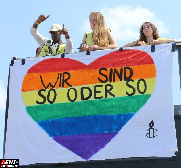 csd-2013_colognepride_koeln_deutzer-bruecke_ntoi_klust_gay_lesbian_parade_58