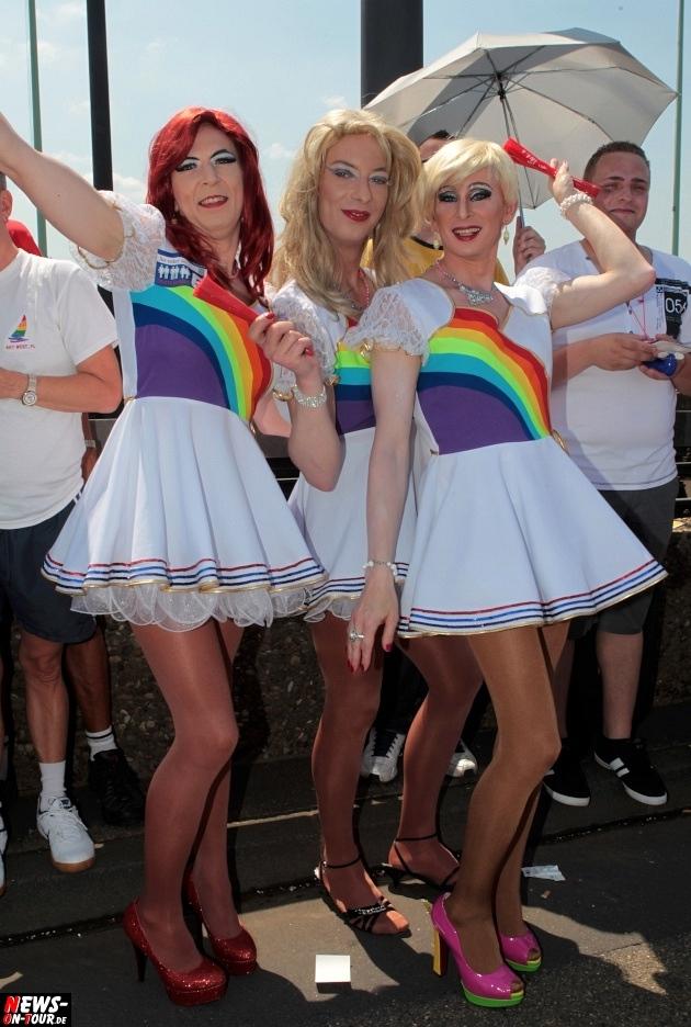 csd-2013_colognepride_koeln_deutzer-bruecke_ntoi_klust_gay_lesbian_parade_59